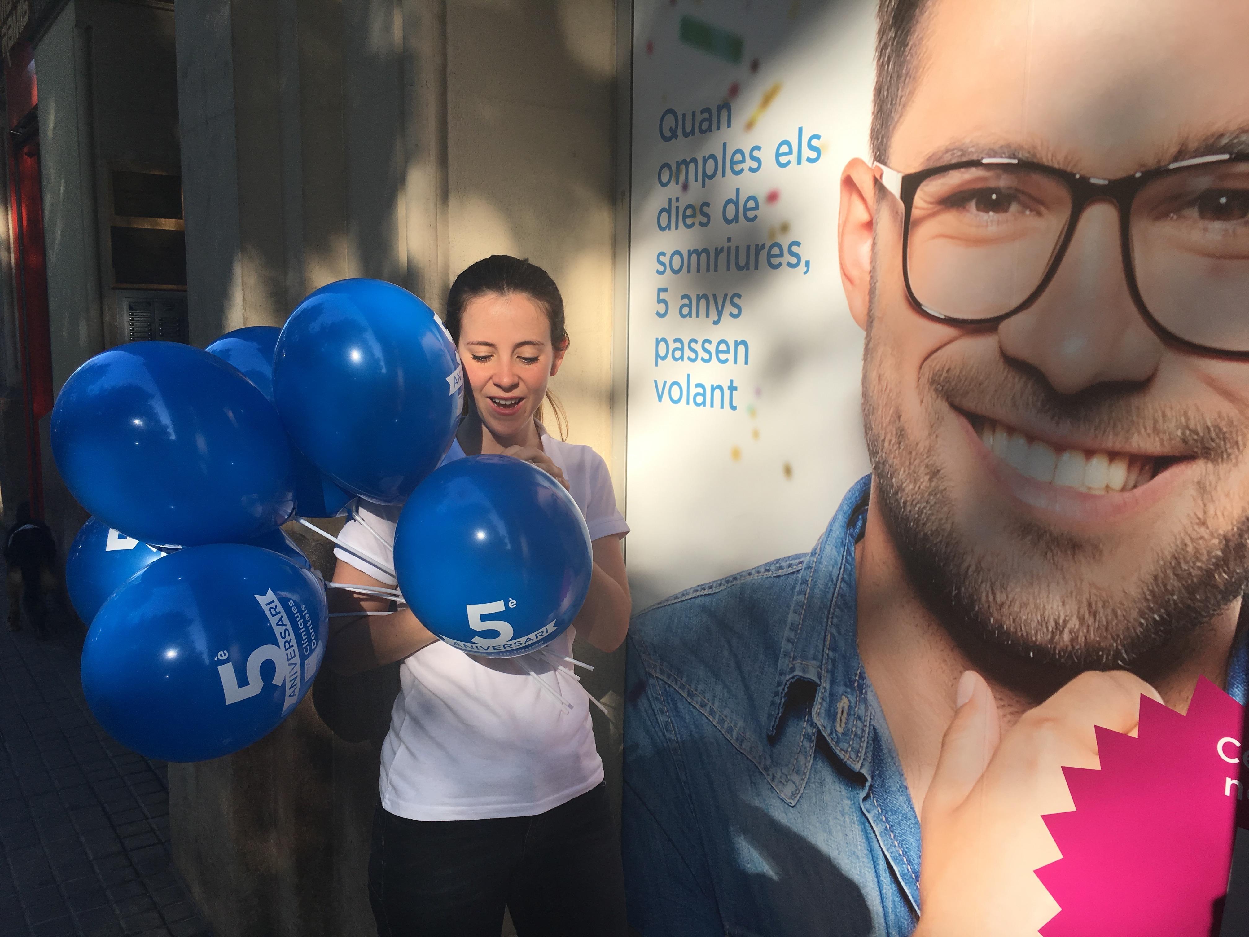 SANITAS: Celebrar el 5º Aniversario de los Centros Dentales Sanitas en Cataluña